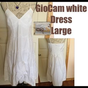 GioCam Sz. Lg white dress, like new